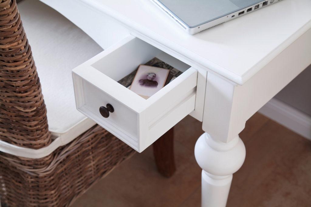 NovaSolo Desk-1