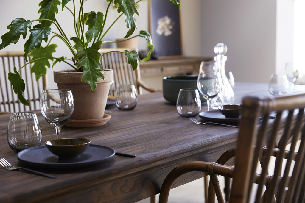 Hygge Dining Table 220_7