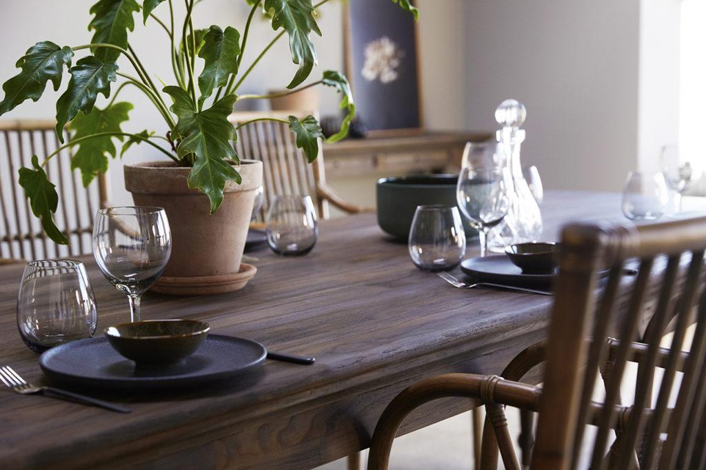 NovaSolo Dining Table 220-3