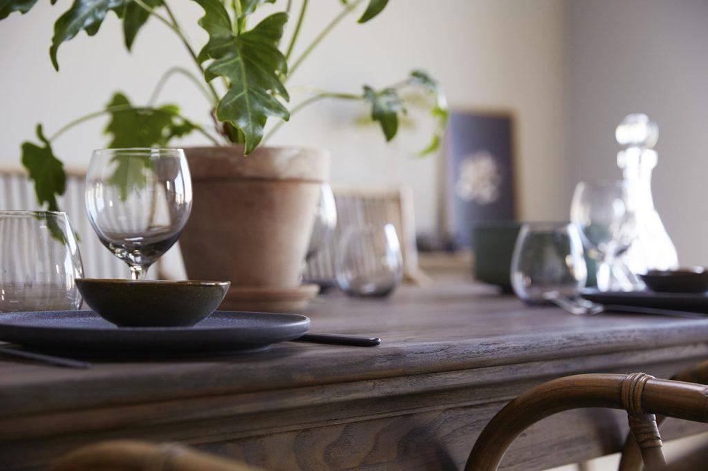 NovaSolo Dining Table 220-4