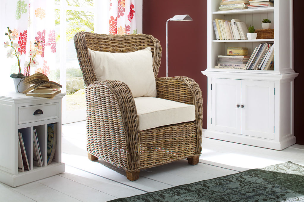 NovaSolo Queen Chair with Seat & Back Cushions-1