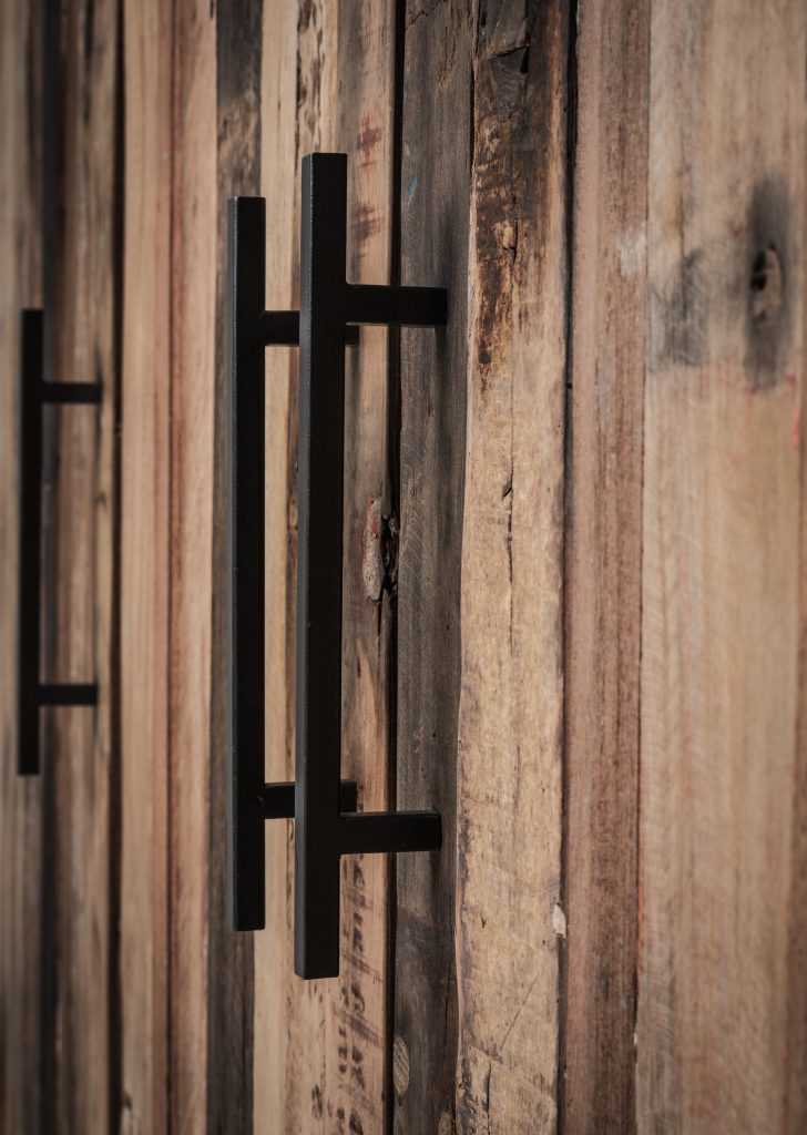 Rustika Sideboard 3 Doors_12